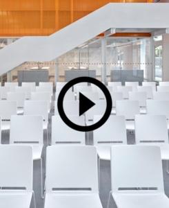 Multi Stühlen für das neues Kulturzentrum