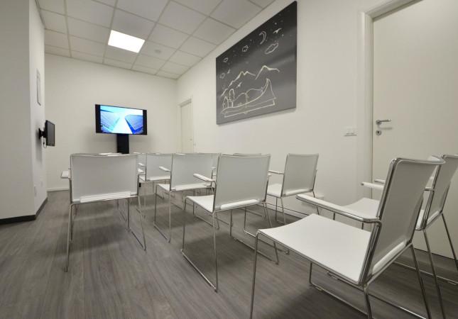 Neugestaltung des Büros mit Multi