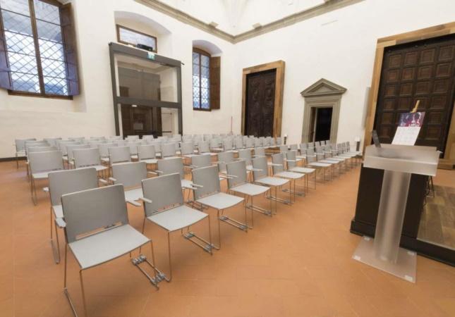 Die Stühle Multi bei 'Gallerie degli Uffizi'